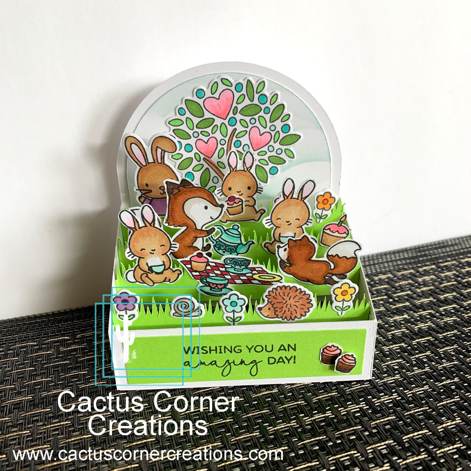 Picnic with friends box card